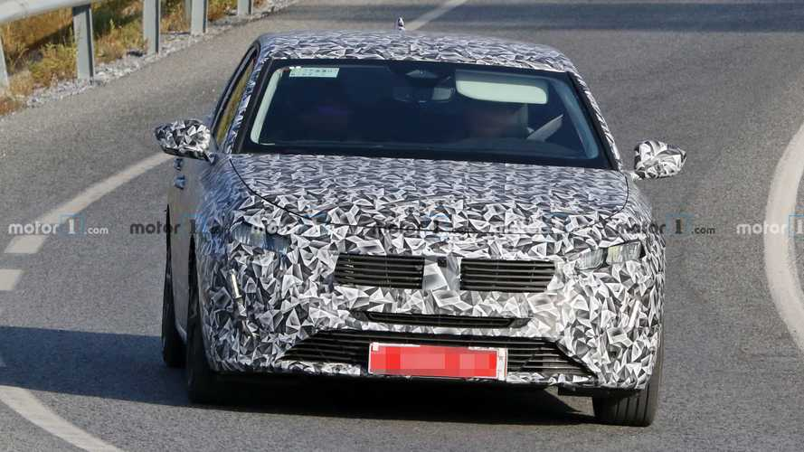 2022 Peugeot 308 spy photos