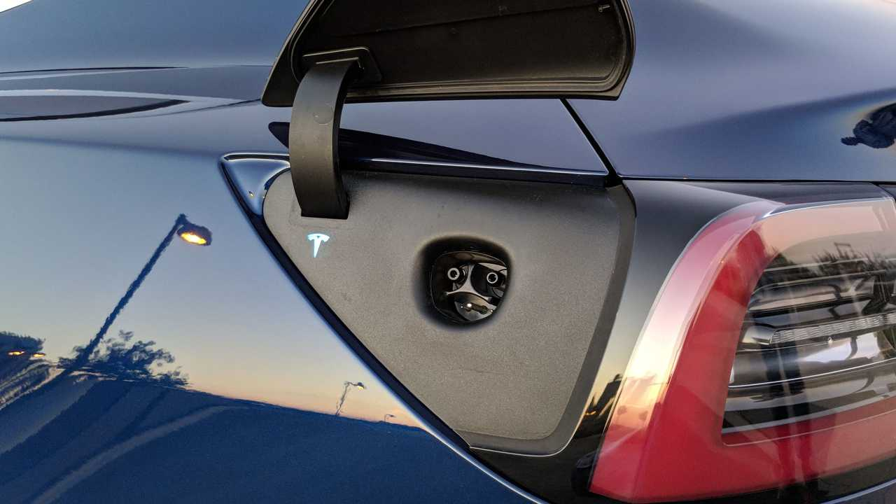 Tesla Model 3 charge port
