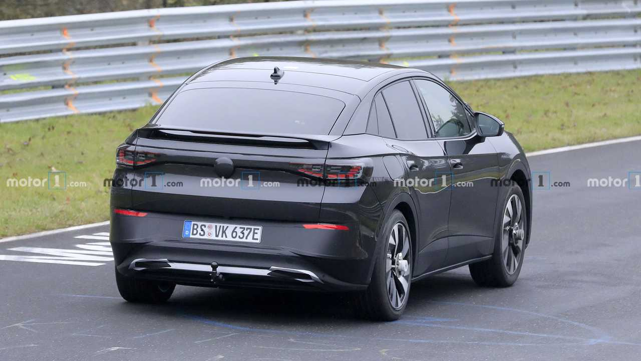 VW ID.5 first spy photo (on Nurburgring)
