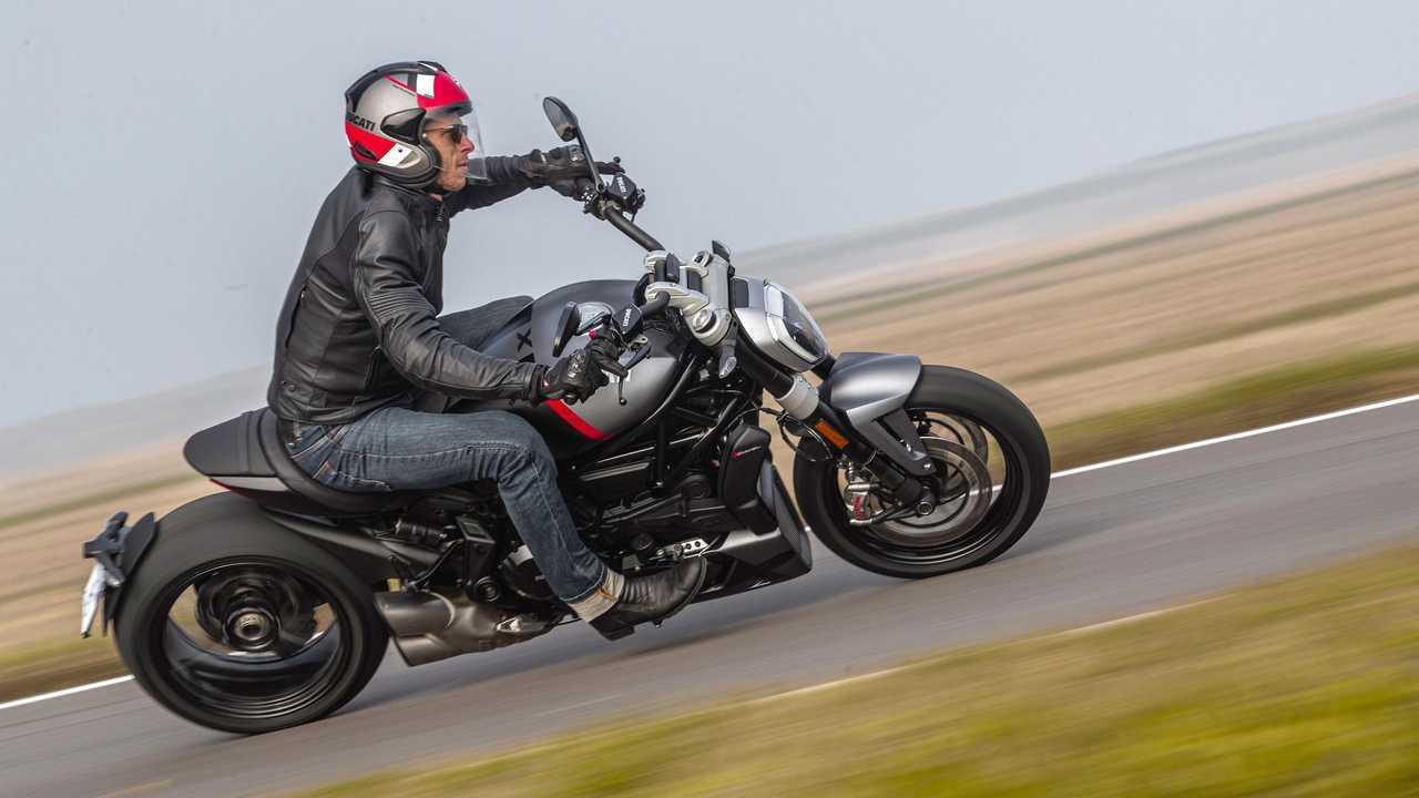 2021 Ducati XDiavel Black Star Riding