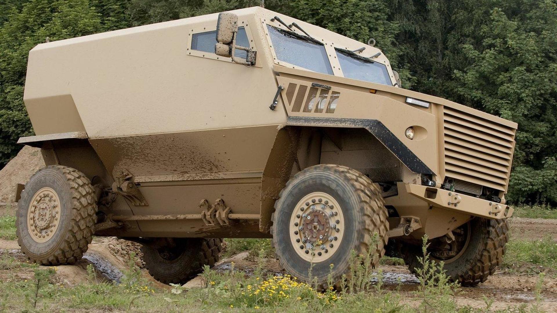 McLaren ayudó a diseñar el vehículo blindado British Foxhound-blindajes nacionales