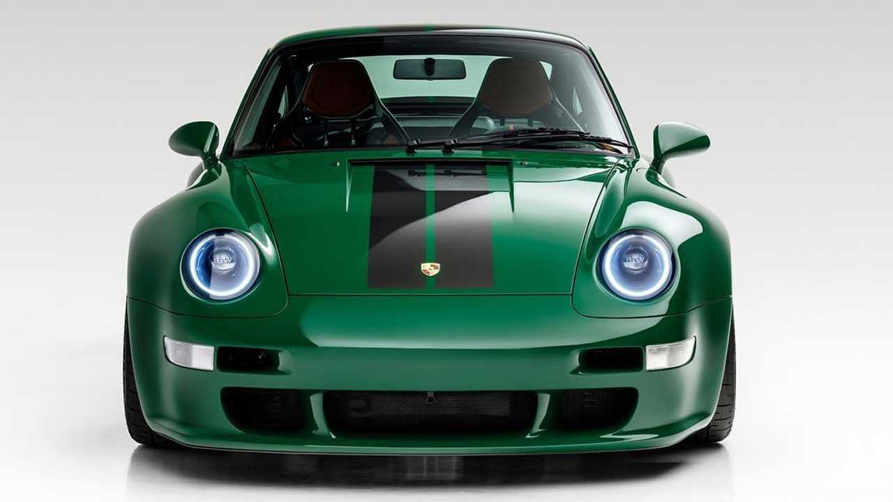 Gunther Werks Irish Green Commission Porsche 911 from the front in the studio
