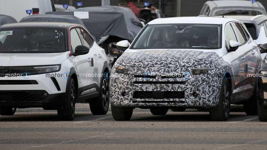 Opel Grandland X facelift spy photos
