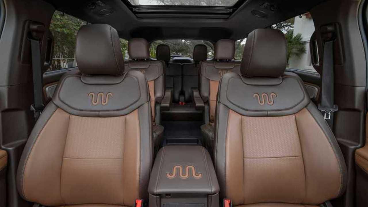Allarme auto, manca la schiuma per imbottire i sedili