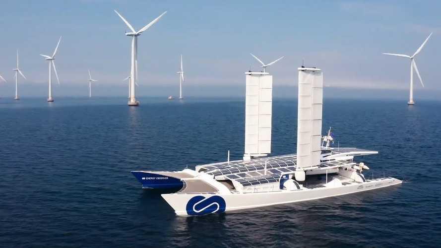 """Un catamarano a Idrogeno? Esiste già ed è """"spinto"""" da Toyota"""