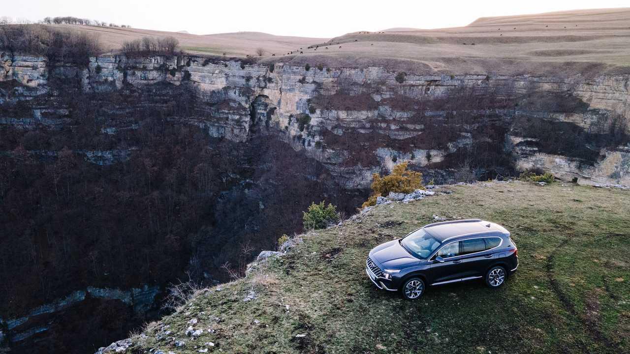Обновленный Hyundai Santa Fe на Кавказе