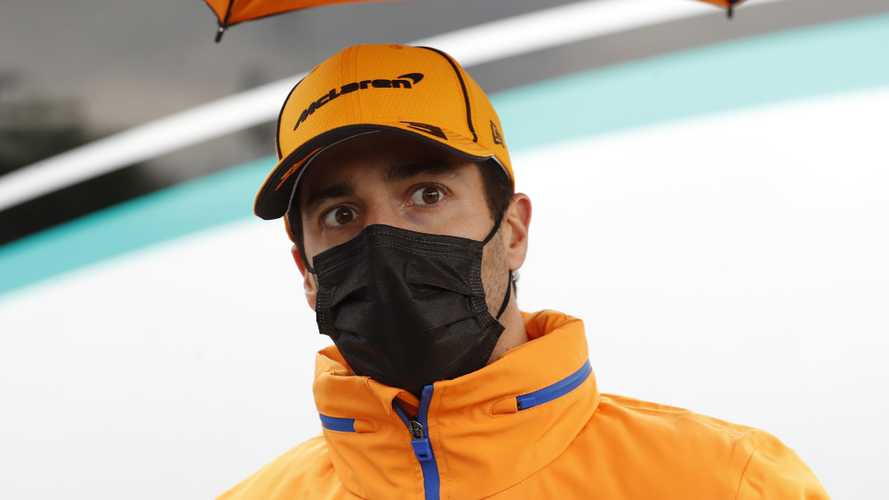 Ricciardo apologises for F1 'idiots' comment, stands by opinion