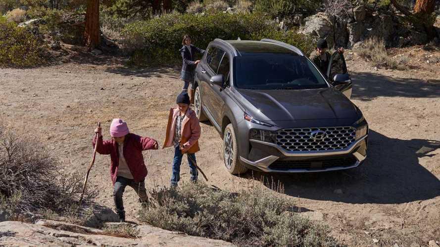 2022 Hyundai Santa Fe PHEV $5,700 More Expensive Than Hybrid Model