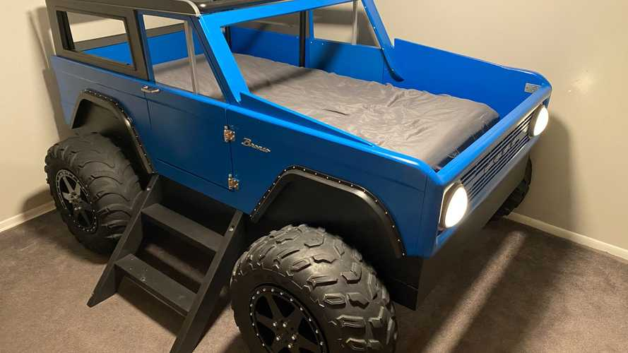 Одержимый Ford Bronco папа построил сыну уникальную кровать