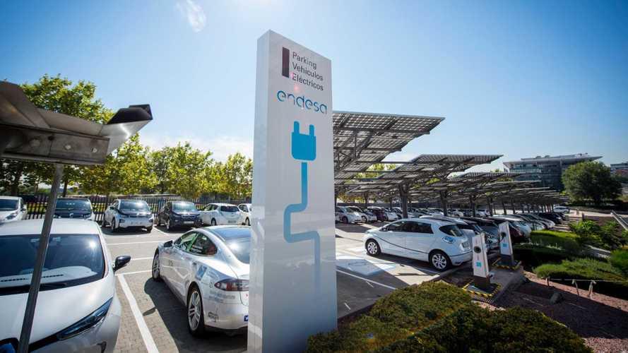 Endesa instalará más de 100.000 electrolineras para coches ecológicos
