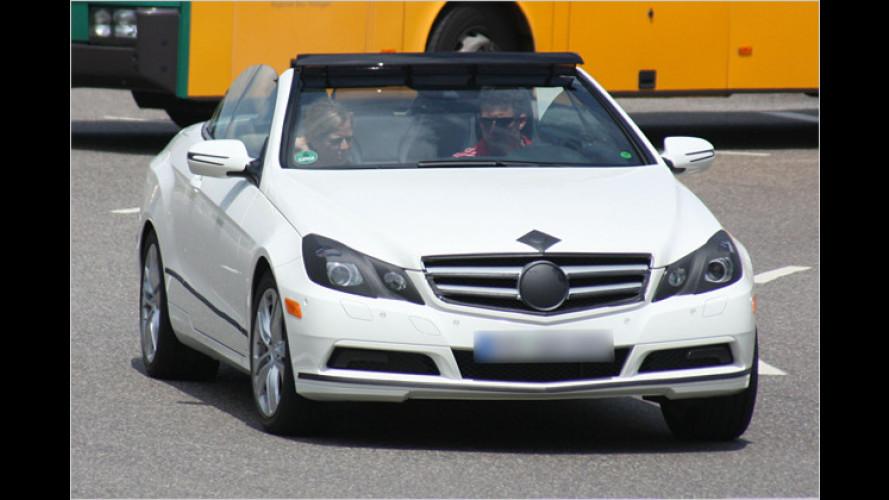 Erwischt: Offene Mercedes E-Klasse fast ungetarnt unterwegs