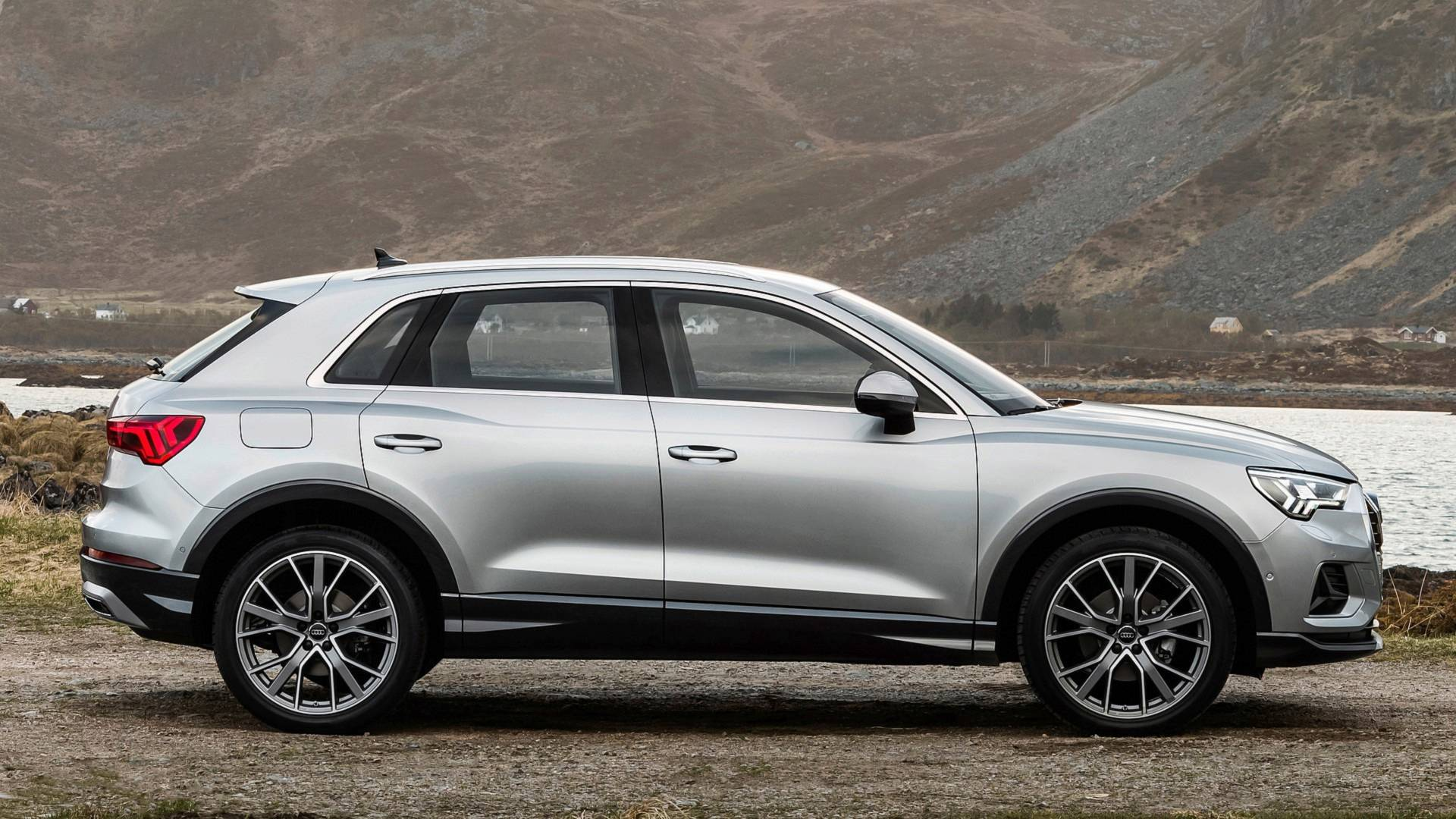 2018 Audi Q3: New Generation, Redesign, Changes >> 2019 Audi Q3 Gets Athletic New Look And Even More Tech