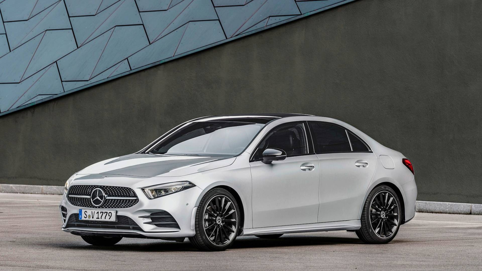 Mercedes Benz A Class >> 2019 Mercedes Benz A Class Sedan Priced From 32 500 In Us