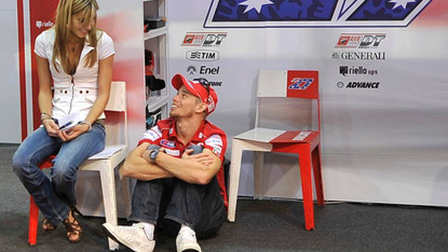 Official: Stoner leaves Ducati to join three man Honda factory team