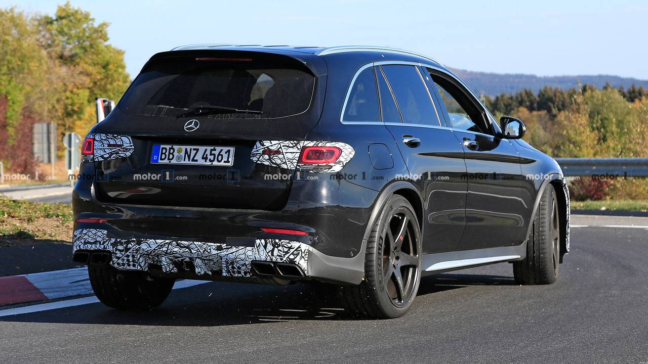 2019 mercedes amg glc 63 facelift spied for the first time. Black Bedroom Furniture Sets. Home Design Ideas