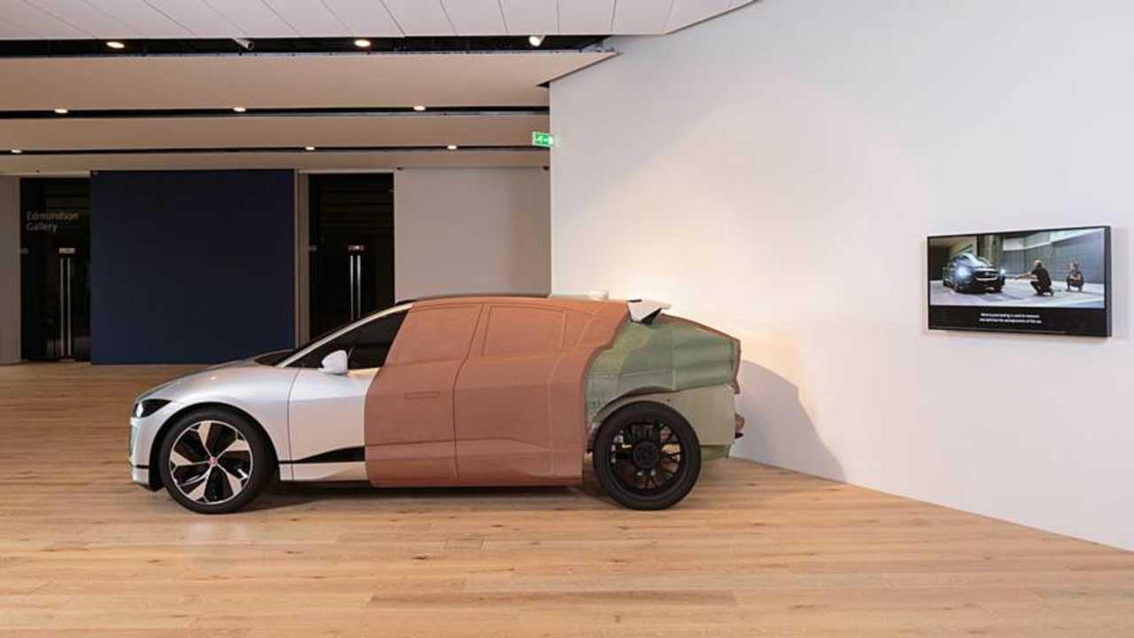 Jaguar I-Pace maquette taille réelle