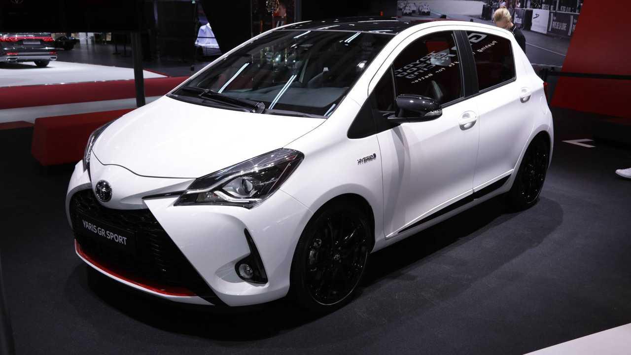 Toyota Yaris GR Sport 2018 Paris Otomobil Fuarı'nda