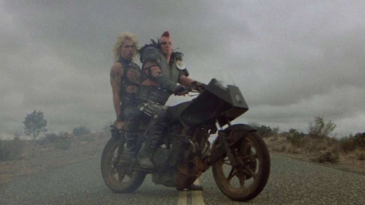 [Retex]  1 an d'aguerrissement au froid The-bikes-of-the-mad-max-trilogy