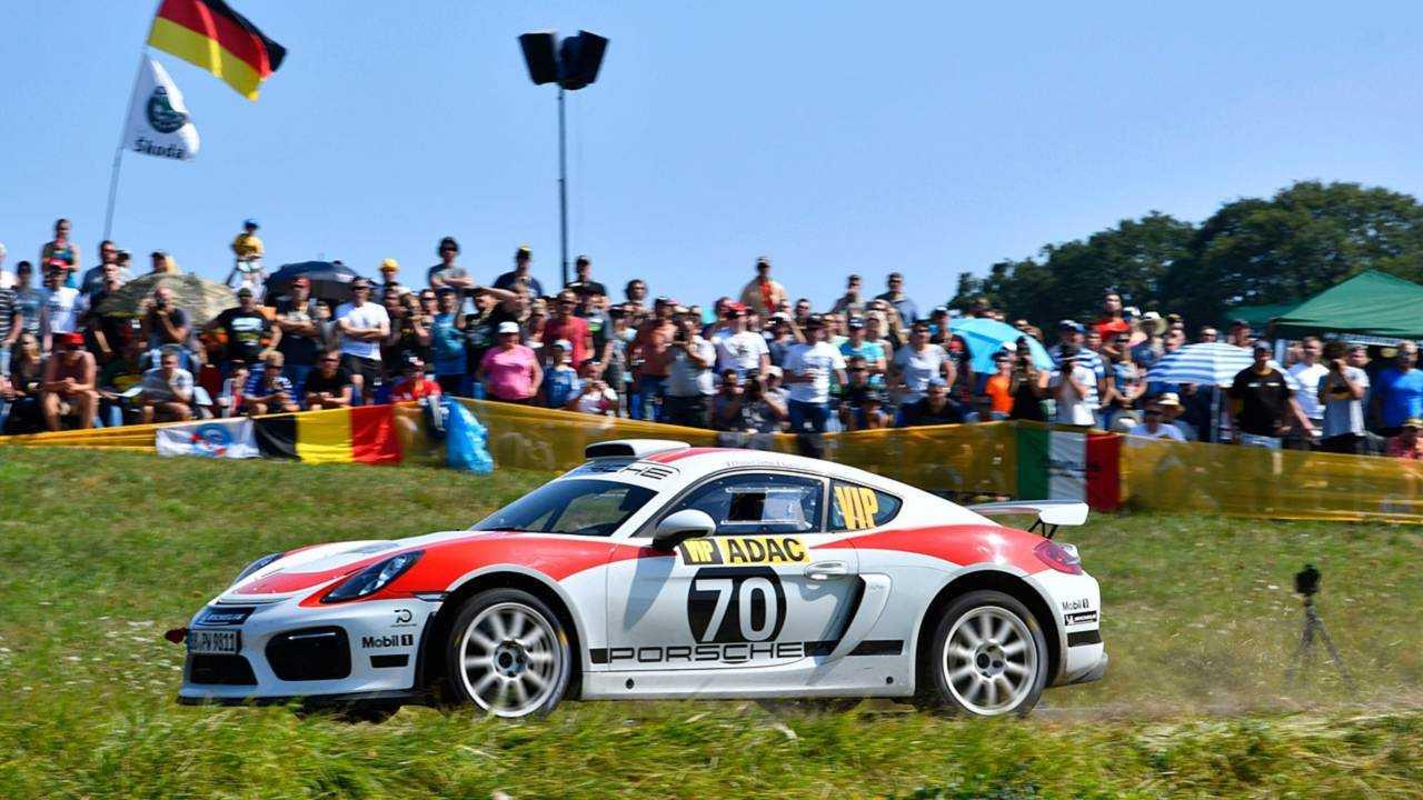 Porsche Cayman GT4 Clubsport debut