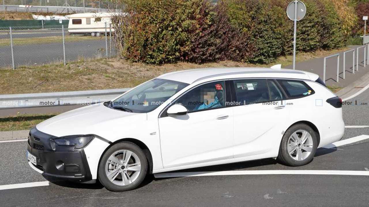 2020 Opel Insignia facelift spy photo