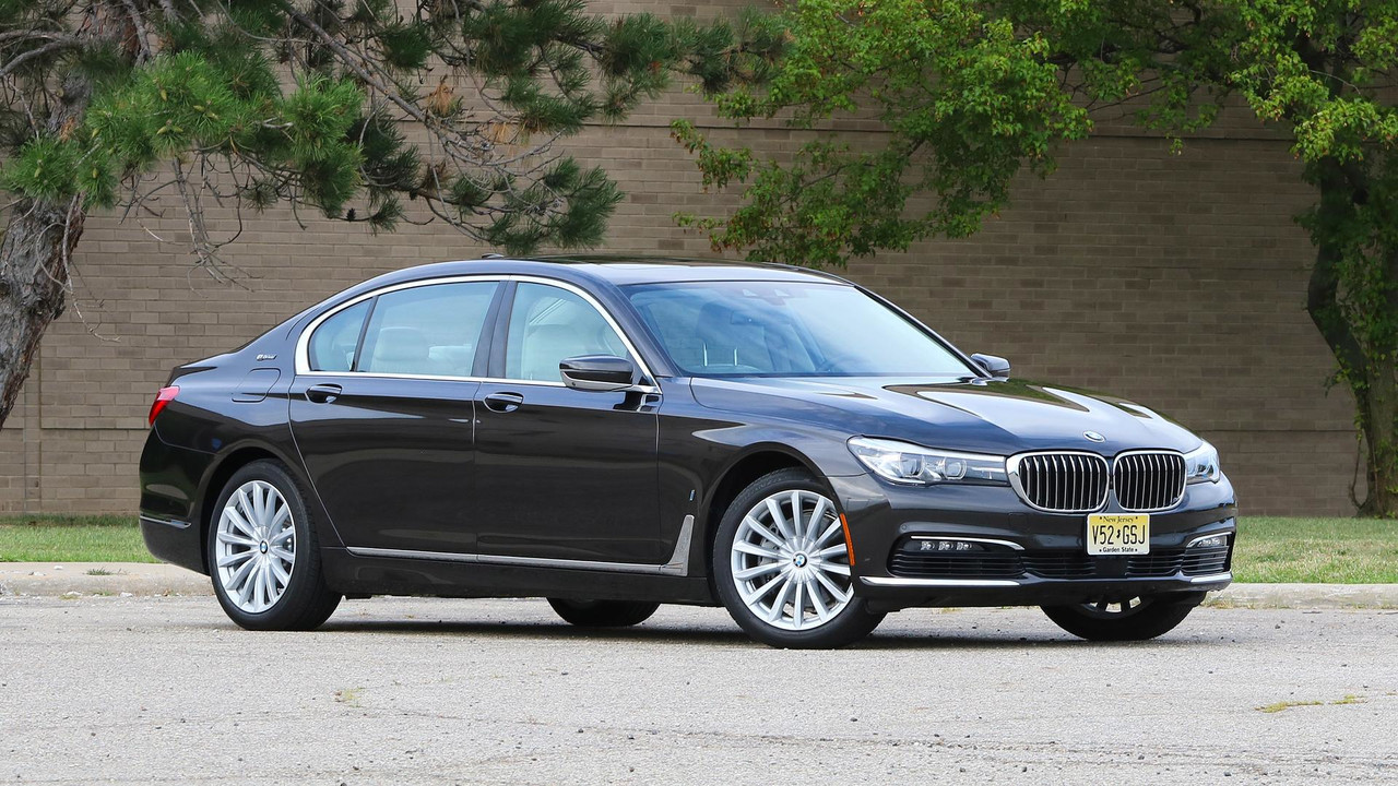 2017 BMW 740e: Review