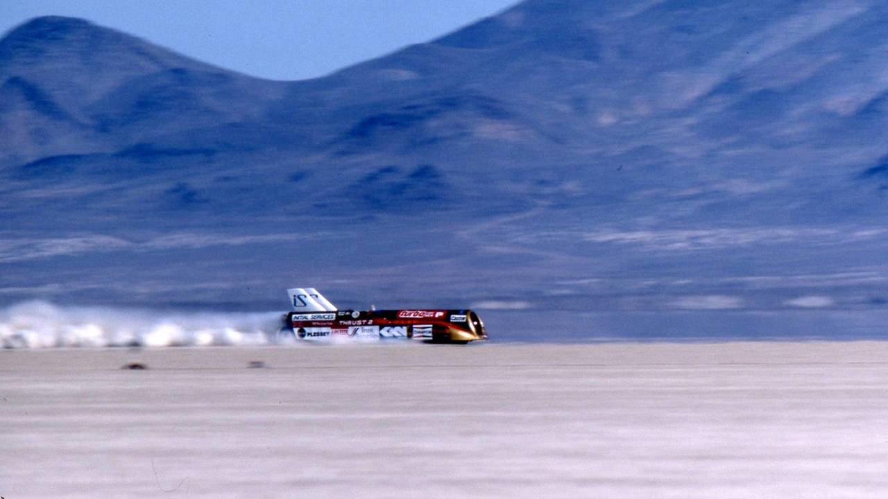 Land Speed Record >> History Of British Land Speed Record Attempts In Pictures