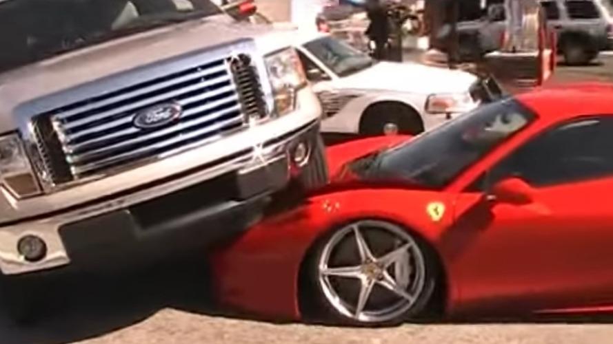 Yepyeni Ferrari 458 Italia Ford'un altında kaldı
