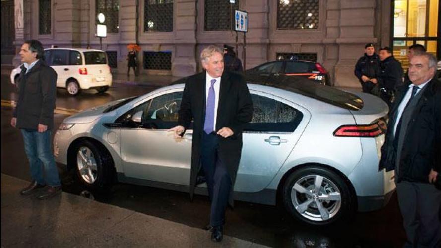 Chevrolet Volt con l'ambasciatore USA dal Sindaco Pisapia a Milano