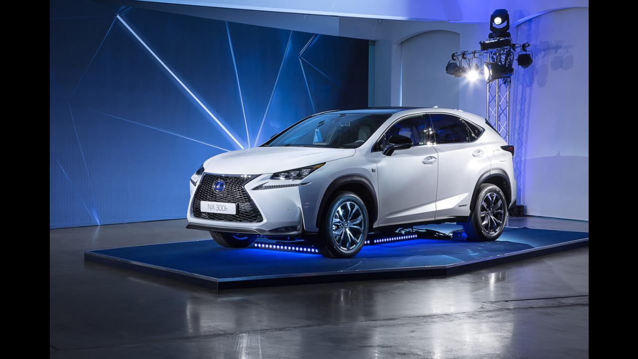 Lexus NX Hybrid dal vivo