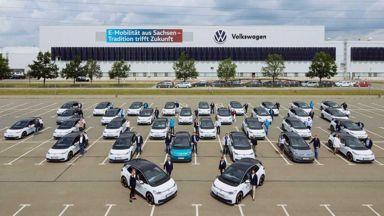 Volkswagen ID.3 передали сотрудникам