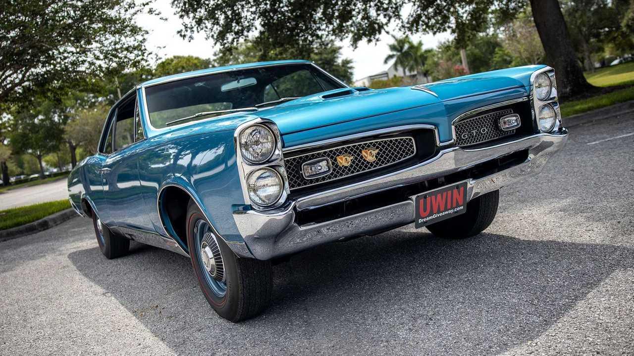 1967 Pontiac GTO front angle