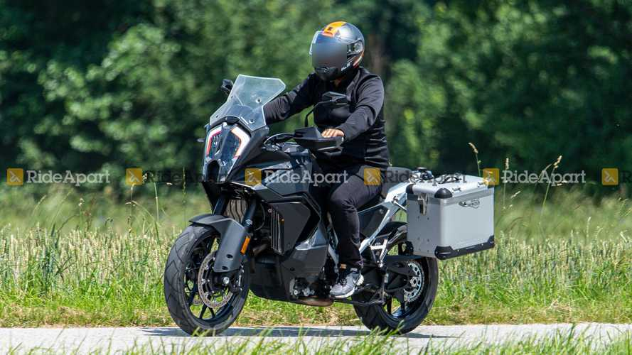 Spotted: 2021 KTM 1290 Super Adventure Bulked Up Over The Summer