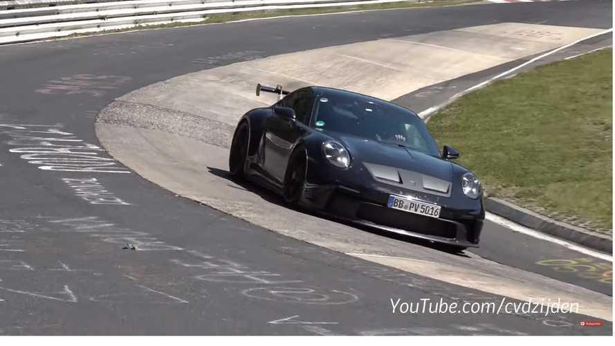 VIDÉO - La Porsche 911 GT3 donne de la voix