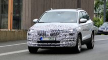 Skoda Karoq facelift spy photos