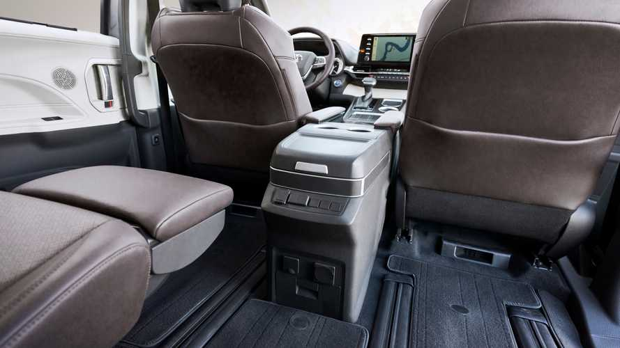 2021 Toyota Sienna Supplier Issues Delay Fridge, Vacuum Availability