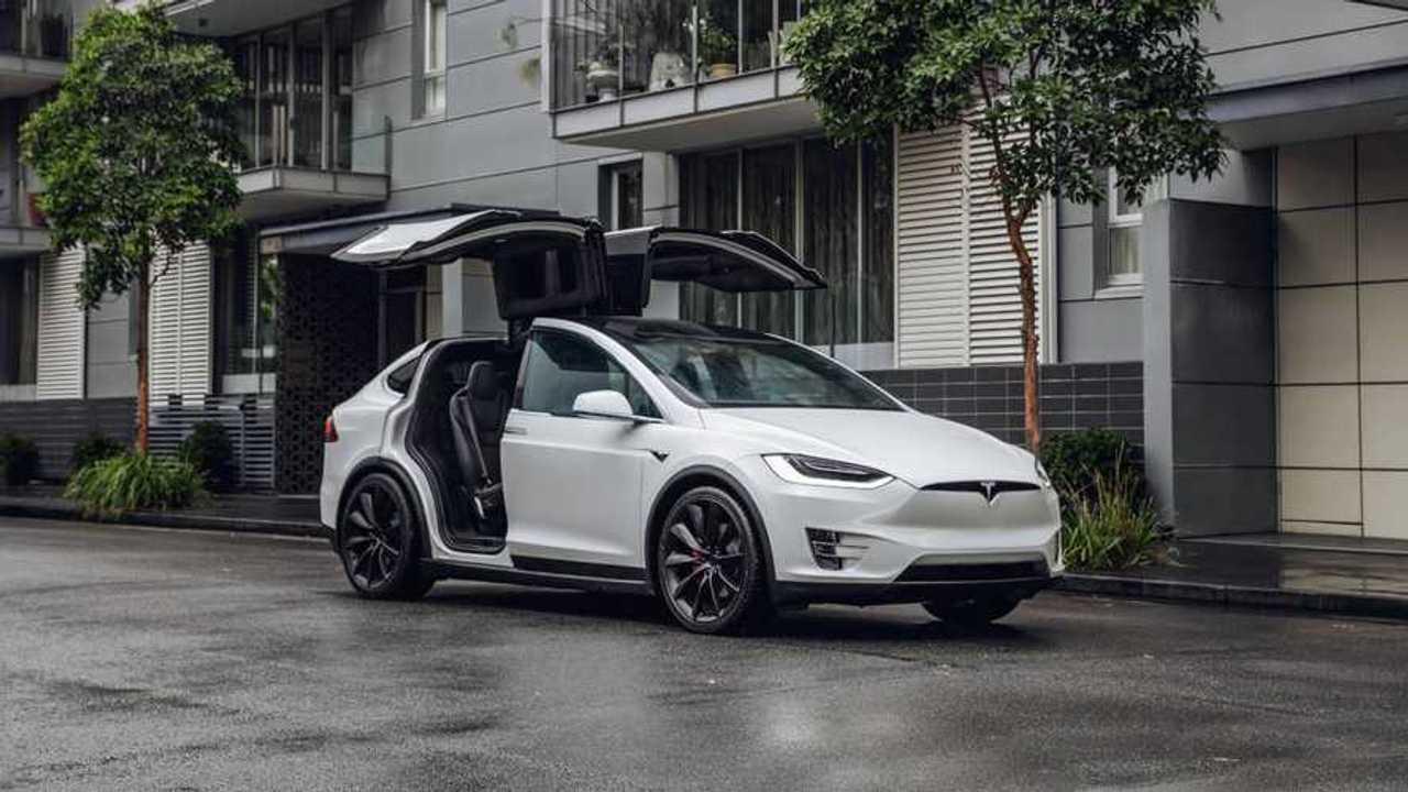 Tesla снизила цены на Model S и Model X