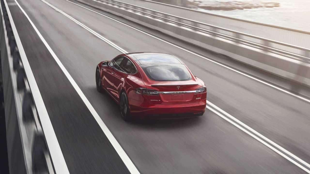 Harman научил Tesla Model S звуку V8