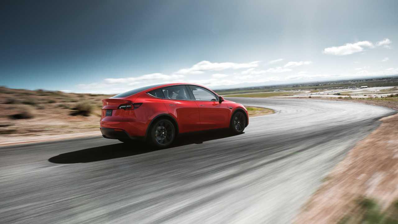 Tesla Model Y: представлены фотографии и технические характеристики кроссовера за $39 000