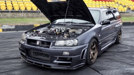 This wild Nissan Stagea estate kills tyres with V8 turbo power