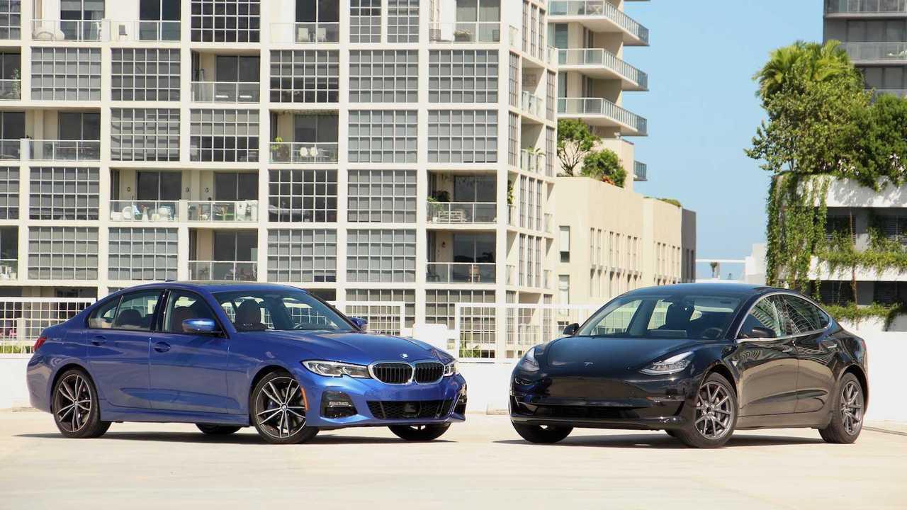 BMW 3 Series Vs Tesla Model 3: Сравнение