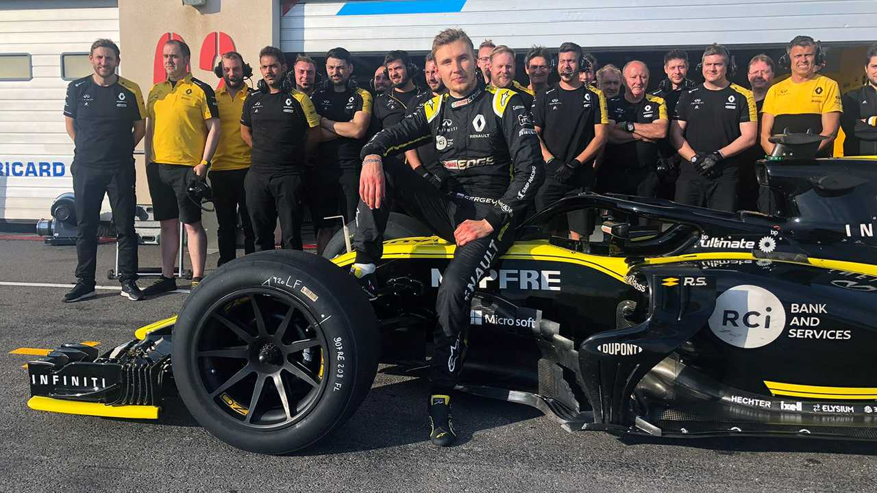 Sergey Sirotkin, Renault F1 Team with 18-inch tyres