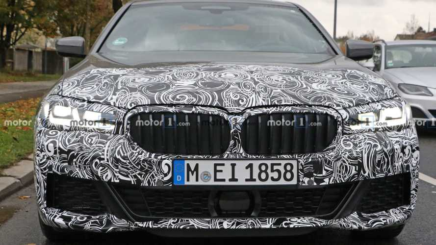 BMW 5er Facelift (2020) mit M-Sport-Paket erwischt