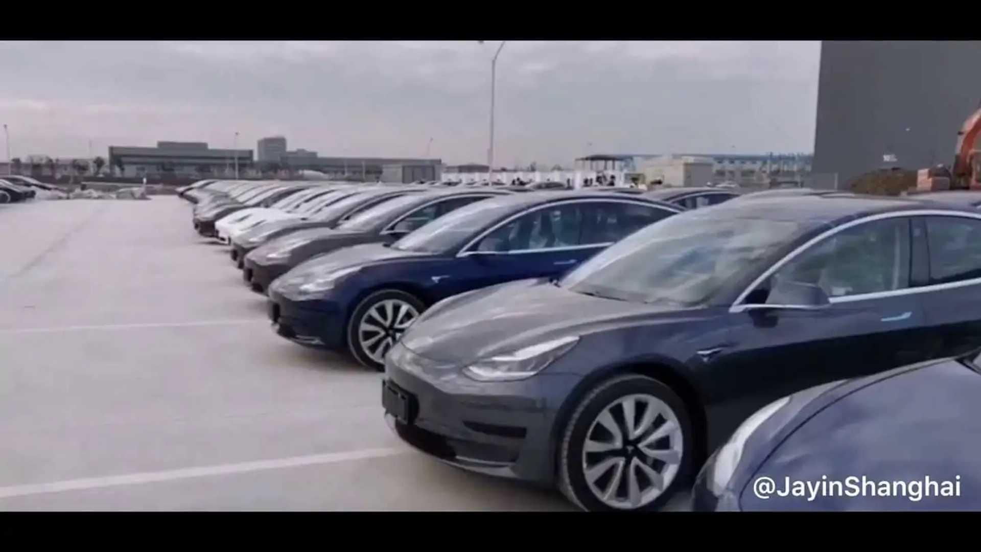 See Hundreds Of Tesla Model 3 At Tesla Gigafactory 3: Video
