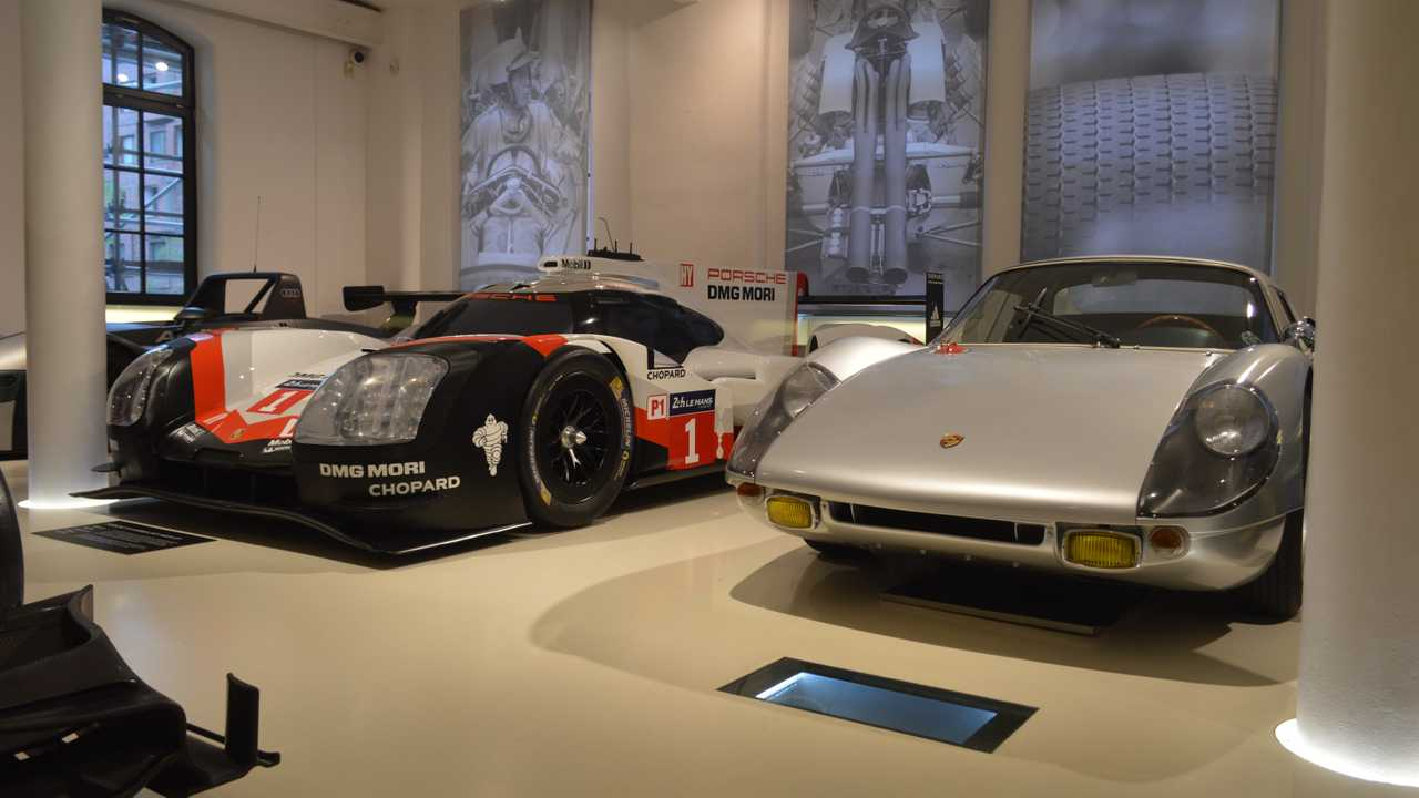 Porsche 919 replica and Porsche 904 Carrera
