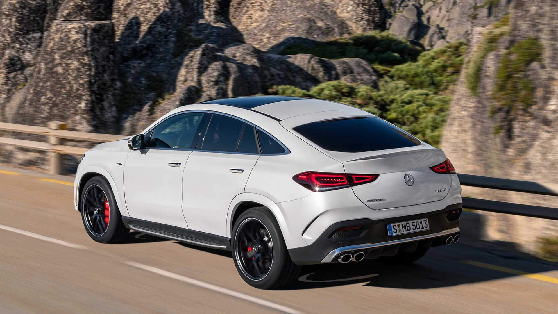 Mercedes Gle 450 Amg >> 2021 Mercedes Gle Coupe Amg Gle 53 Debut Updated Design And