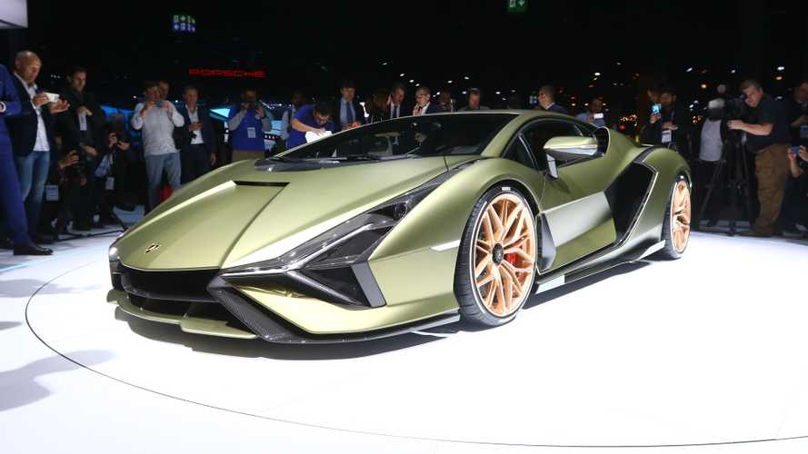 Lamborghini Aventador successor allegedly packs plug-in hybrid powertrain