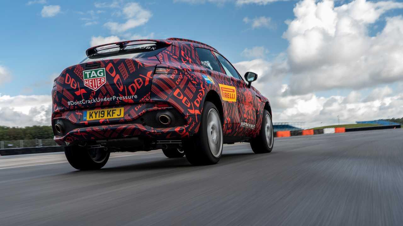 Aston Martin DBX son casus fotoğraflar