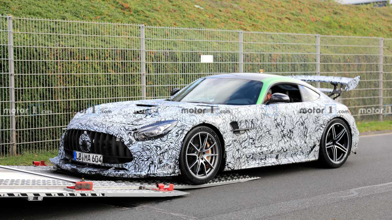 Шпионские фото Mercedes-AMG GT R Black Series