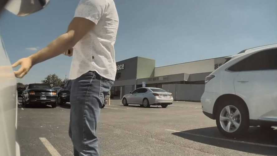 Distracted Couple Hilariously Mistake Tesla Model 3 For Hyundai Elantra