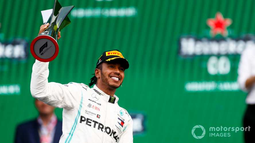Mexican GP: Hamilton wins as Mercedes outfoxes Ferrari